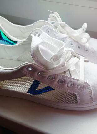 Белые кроссовки, белые мокасины, белые кеды. женские белые кроссовки
