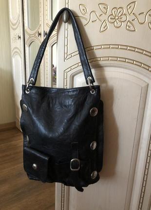 Стильная брутальная кожаная сумка, натуральная кожа с клепками