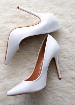 Туфли лодочки белые / базовые лодочки / белые классические туфли на шпильке/ свадебные