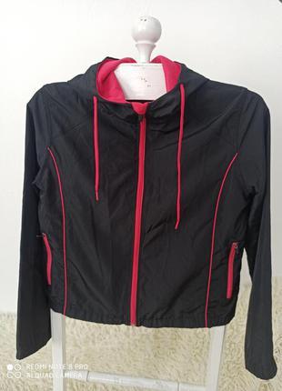 Спортивна курточка