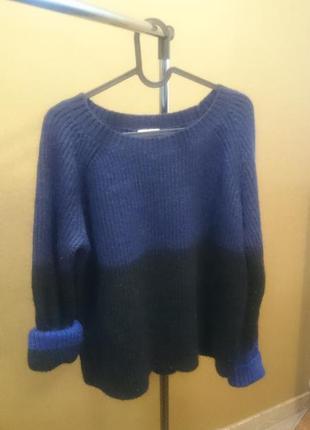 Теплый стильный свитер фирмы gap