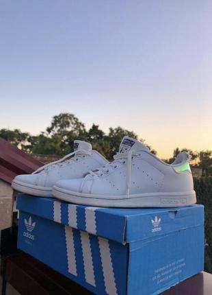 Кроссовки, ботинки, туфли, сапоги