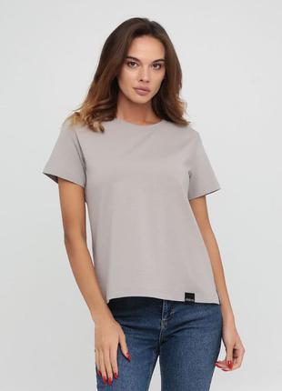 Женская повседневная хлопковая однотонная футболка серого цвета chikiss