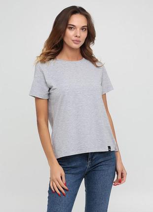 Женская повседневная хлопковая однотонная футболка цвета серый меланж chikiss