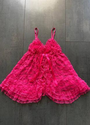 Ярко розовый кружевной пеньюар разлетайка