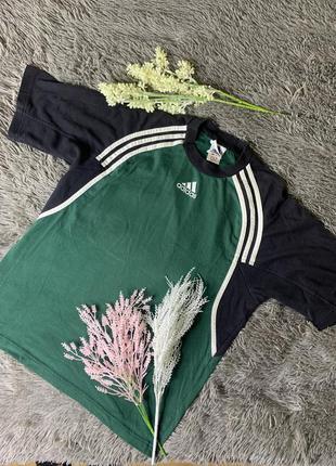 Мега-крута футболка adidas