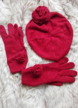 Шапка берет и перчатки