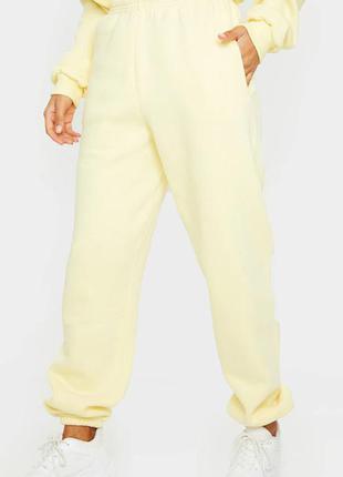 Джоггери жовтого кольору
