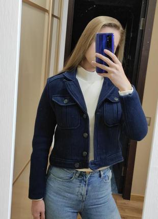 Короткий тёплый тёмно синий хлопковый пиджак жакет с карманами на груди с погонами короткая тканевая школьная куртка хлопковая курточка хлопок