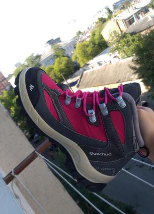 Женские треккинговые водонепроницаемые термо ботинки quechua decathlon original идеальное состояние 38 р
