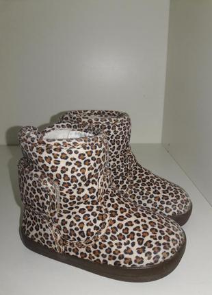 Дуже гарні леопардові ботіночки бренду h&m  18-19 рр