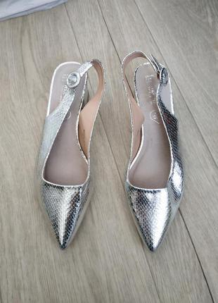 Трендовые туфли с открытой пяткой, босоножки р.39