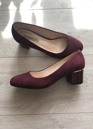 Стильные туфли на толстом каблуке
