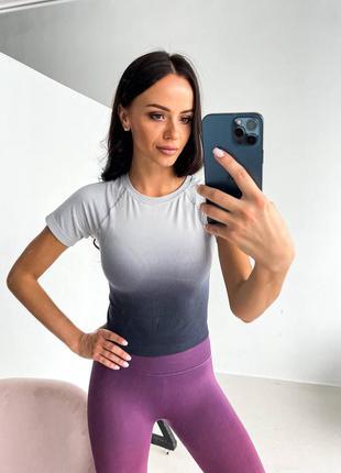 Фитнес футболка