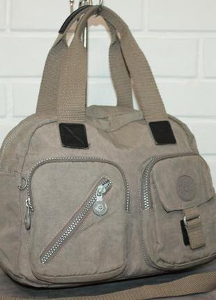 Вместительная прочная сумка от kipling