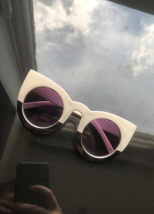 Окуляри котяче око