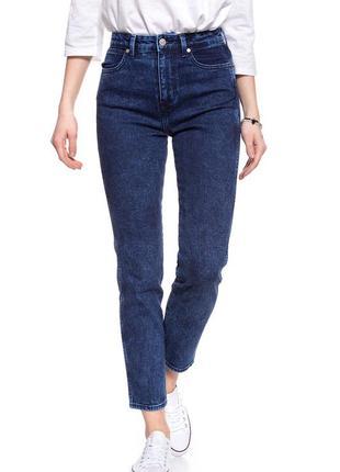 Wrangler retro slim джинсы s - m размер темно синие , стильные .1 фото