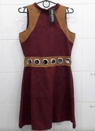Милое комбинированное платье с кольцами под замшу