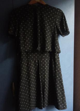 Черное платье с ромашками topshop