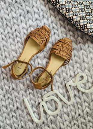 Сандалі сандали босоніжки босоножки