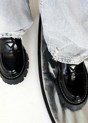 Туфлі ( лофери) жіночі з натуральної шкіри.