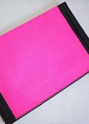 Клатч планшет french connection неоновый розовый с перфорацией