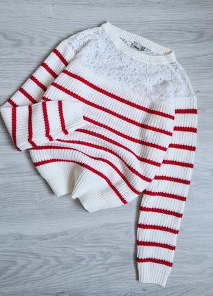 Шикарный нарядный молочный свитер с кружевом в полоску
