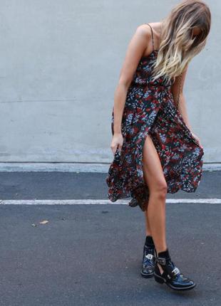 Жіноча  сукня міді вінтажна