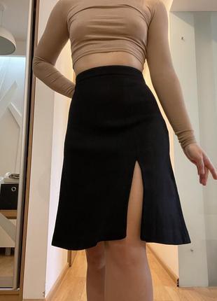 Шерстяная юбка до колена