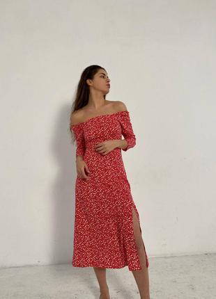 Платье миди в принт с разрезом