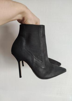 Шикарні шкіряні ботінки, кожаные ботинки, ботильйоны kurt geiger кожа р.37-25см