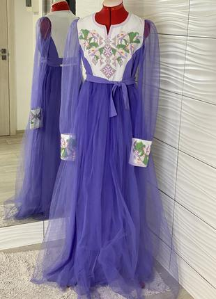 Дизайнерське вишите плаття бісером