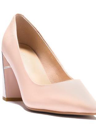 Туфли лодочки на толстом каблуке бежевые розовые