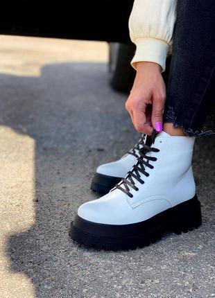 Демисезонные женские ботинки в206-01