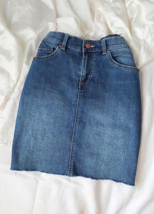 Джинсовая юбка/ юбка з необробленим низом