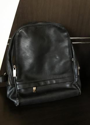 Жіночий чорний портфель