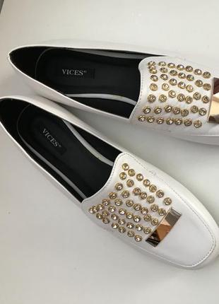 Стильні та кайфові туфлі макасини балетки