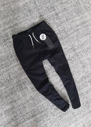 Теплые штаны джоггеры брюки на флисе reserved