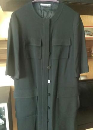 Красивое стильное пальто,из тонкой шерсти.
