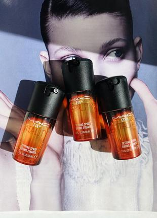 Mac fix+vitality setting spray brume fixante фиксирующий мини-спрей с ароматом абрикоса и мандарин
