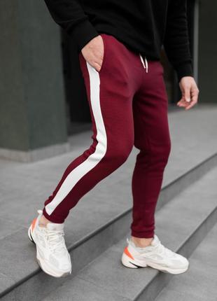 Бордовые теплые штаны с лампасами утепленные мужские штаны