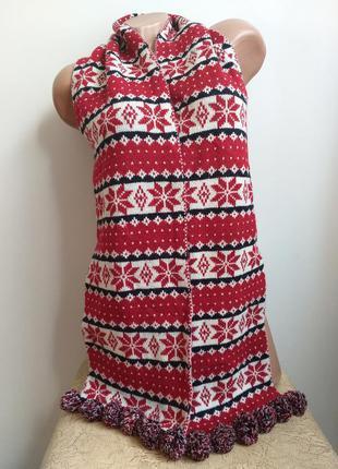 Теплый шарф с орнаментом и бубонами. шарф с помпонами. красный, белый.