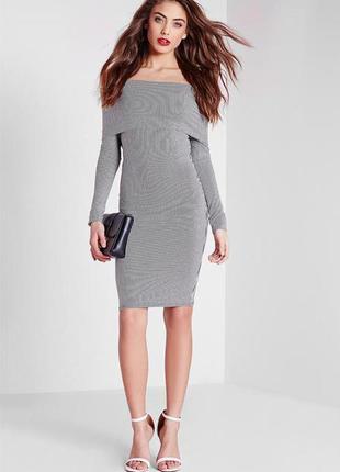 Обтягивающее платье в полоску