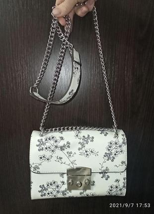 Новая сумка bershka