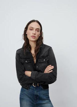 Zara джинсовый пиджак.