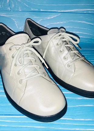 Фирменные немецкие из мягкой кожи-анатомическая стелька-туфли-кроссовки-мокасины- 26cм