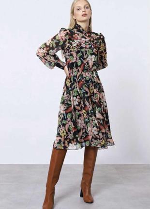 Шикарное итальянское платье