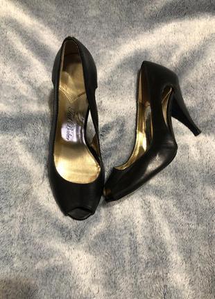 Стильные туфли, открытые туфли, кованные туфли ted baker, туфли 35р