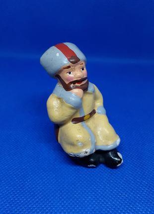 Солдат в папахе статуэтка ссср фигурка курильщик советская гипс эмаль винтаж