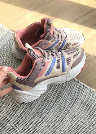 Кросівки 37 розмір